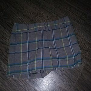 NWOT The Limited Sz 6 Plaid Fall Shorts with Cuffs